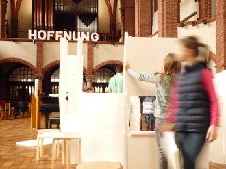 https://oannette.wordpress.com/2015/03/02/styropor-hausbau-in-der-refo-moabit-wir-bauen-an-gottes-hutte-unter-den-menschen/
